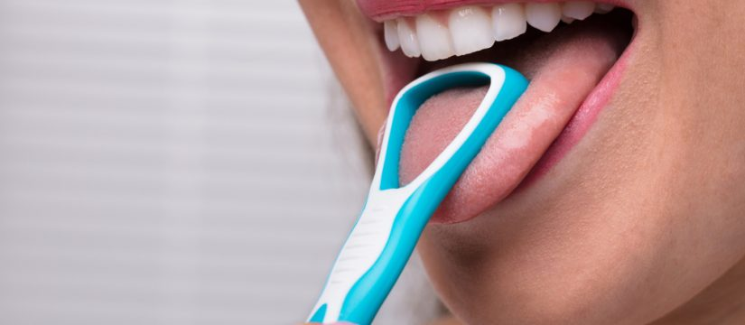 Tongue scraping for a better oral health