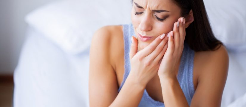 how to manage the pain after multiple tooth extractions